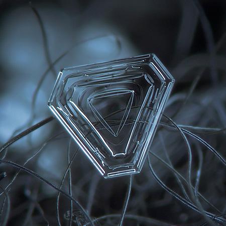 amazing-photography-beautiful-snowflake-pictures-macro-photographs
