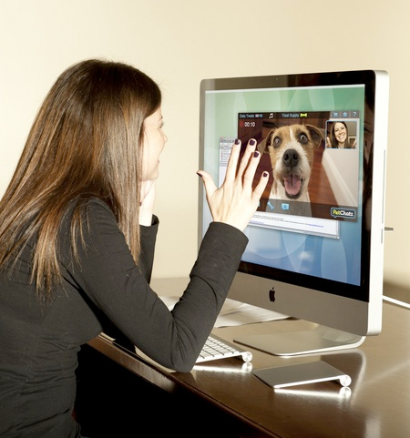 new-interactive-communication-system-device-for-pets (4)