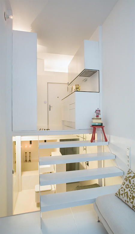 small-living-space-home-compact-apartment-design (4)