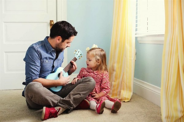 Father-and-Daughter-family-moments-memories-love-house-touching-photos (8)