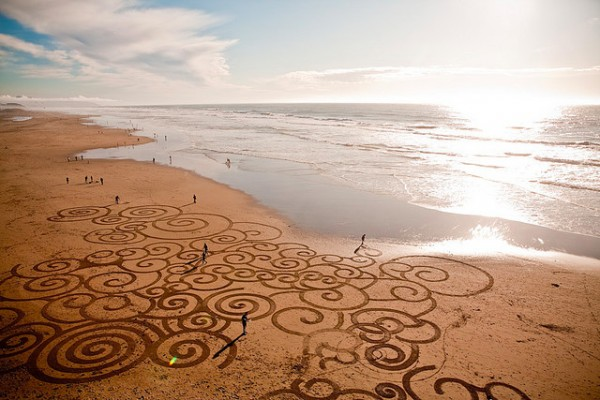amazing-beautiful-sand-darwings-artworks (15)