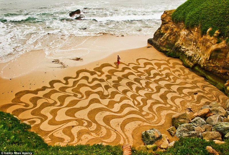 amazing-beautiful-sand-darwings-artworks (2)