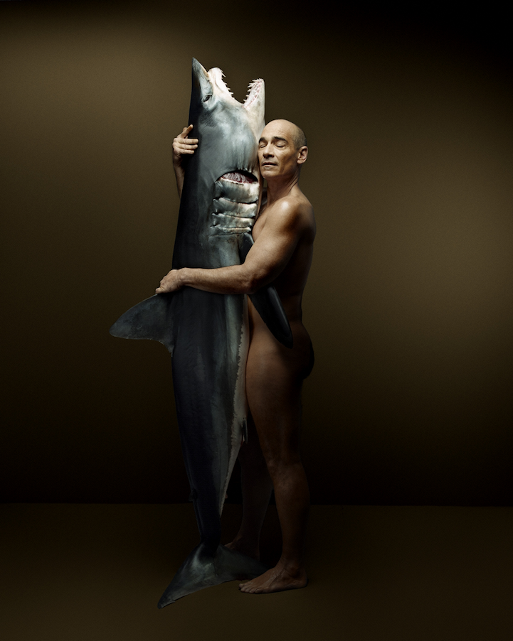 campaign-photo-series-weird-portraits-celebrities-fish (10)