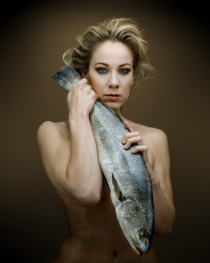 campaign-photo-series-weird-portraits-celebrities-fish (5)