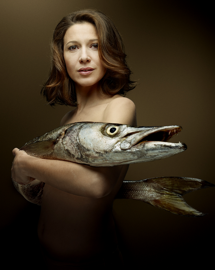 campaign-photo-series-weird-portraits-celebrities-fish (6)