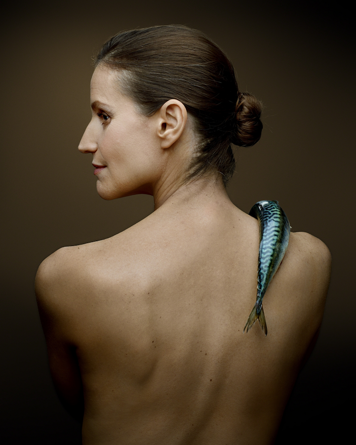 campaign-photo-series-weird-portraits-celebrities-fish (8)