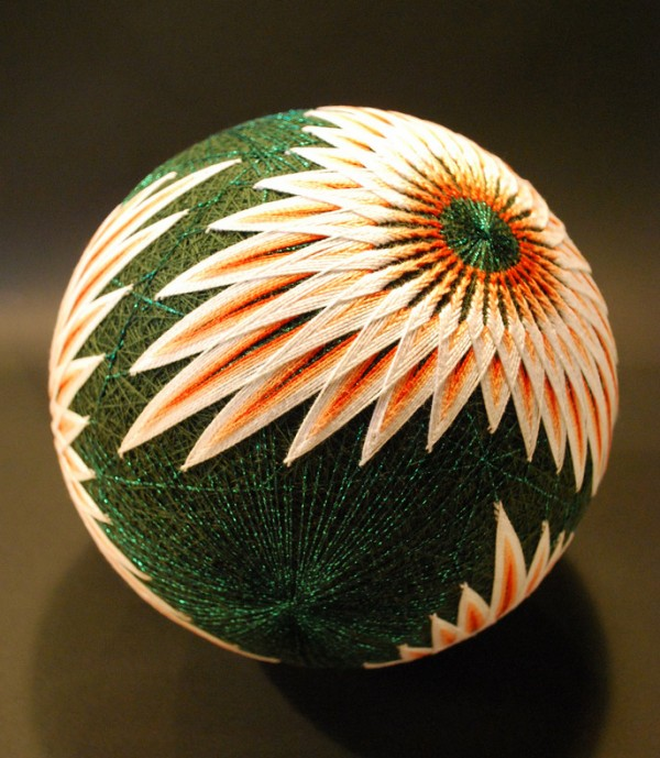 cute-beautiful-Embroided-Traditional-Japanese-Temari-Balls (5)