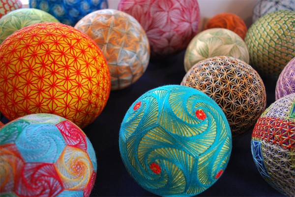 cute-beautiful-Embroided-Traditional-Japanese-Temari-Balls (8)