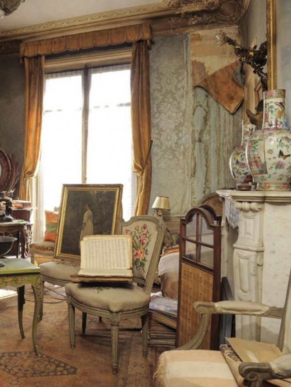 Treasure-trove-Paris-apartment-untouched-for-70-years (2)