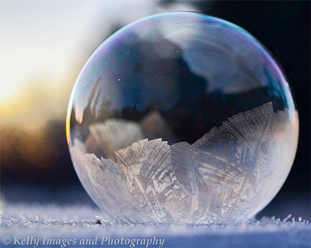amazing-awesome-photography-frozen-soap-bubbles (2)