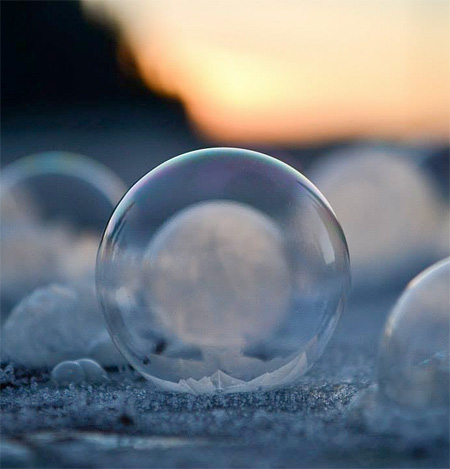amazing-awesome-photography-frozen-soap-bubbles (5)