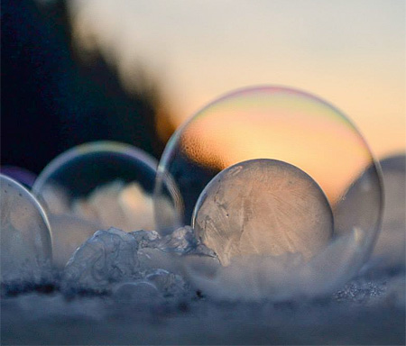 amazing-awesome-photography-frozen-soap-bubbles (6)