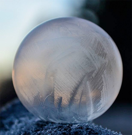 amazing-awesome-photography-frozen-soap-bubbles (9)
