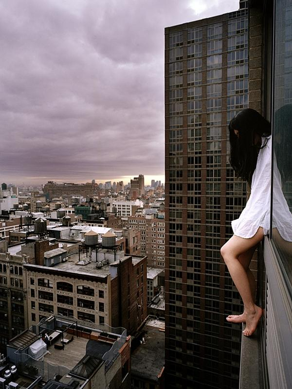 amazing-photography-crazy-Death-Defying-Photos-highest-skycrapers-edge (11)