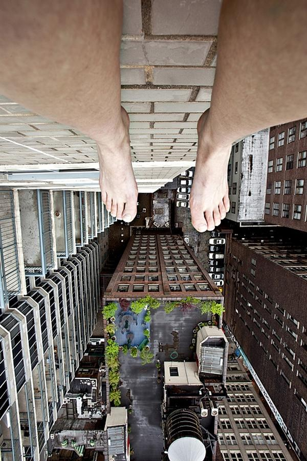 amazing-photography-crazy-Death-Defying-Photos-highest-skycrapers-edge (3)