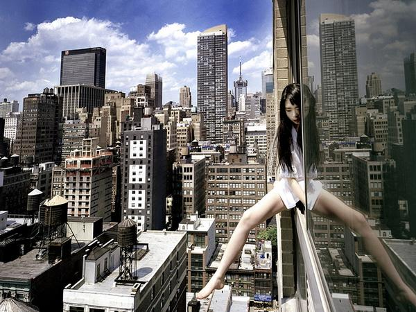 amazing-photography-crazy-Death-Defying-Photos-highest-skycrapers-edge (4)