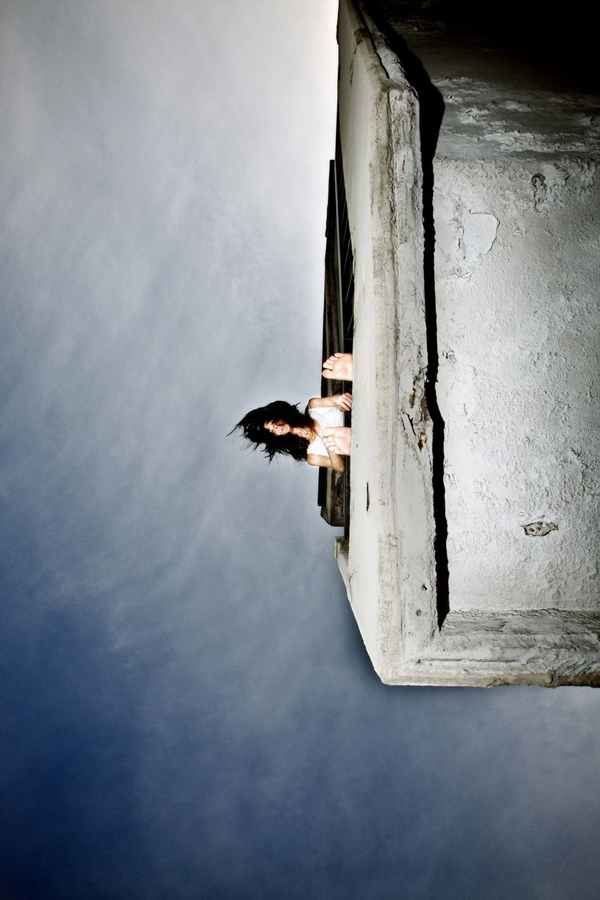 amazing-photography-crazy-Death-Defying-Photos-highest-skycrapers-edge (5)