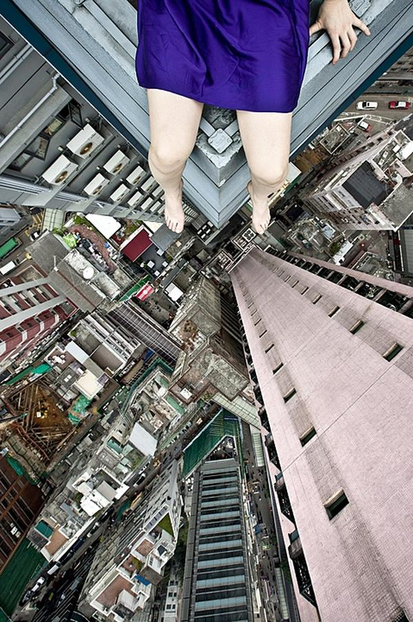 amazing-photography-crazy-Death-Defying-Photos-highest-skycrapers-edge (7)