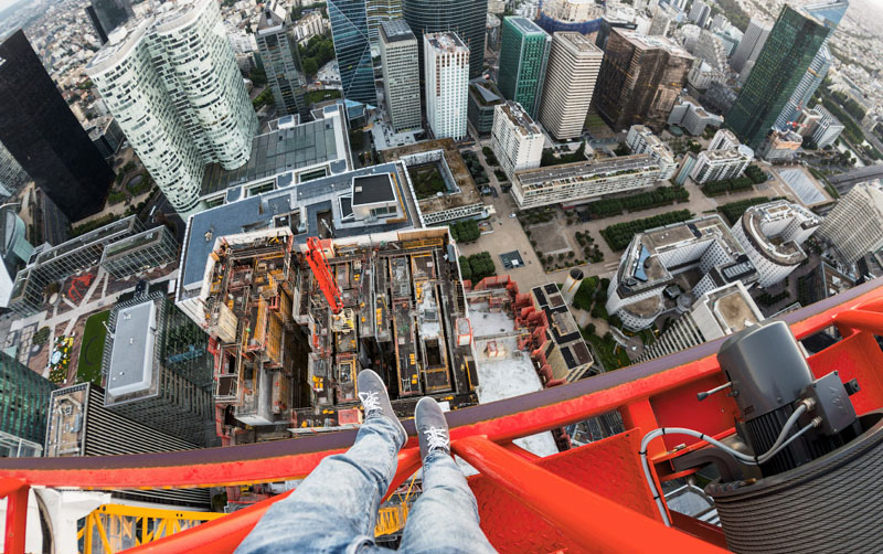 crazy-amazing-photos-highest-skyscraper-structures-edge (1)