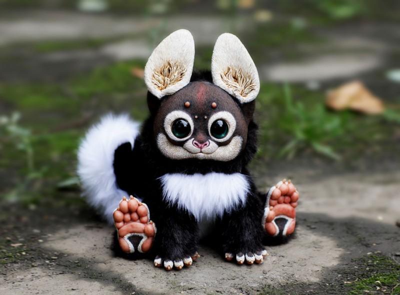 cute-fantasy-creepy-animal-anime-creatures-dolls-sculptures (2)