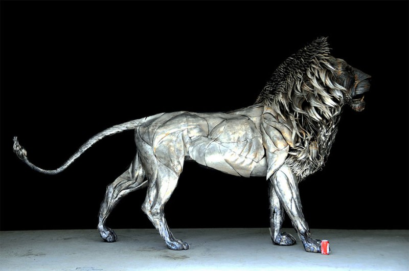 great-detailed-cool-lion-aslan-metal-sculpture (3)