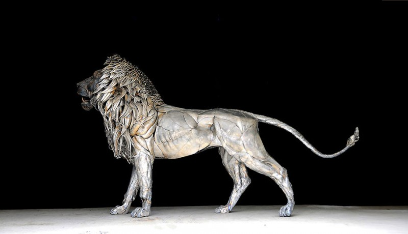great-detailed-cool-lion-aslan-metal-sculpture (5)