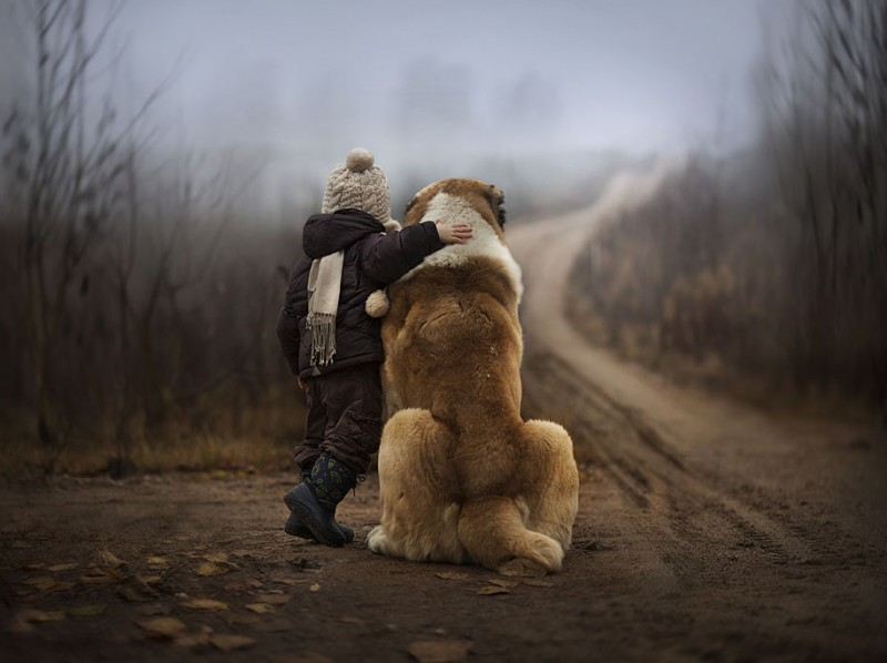 heartwarming-touching-beautiful-children-animals-photos-russia (10)