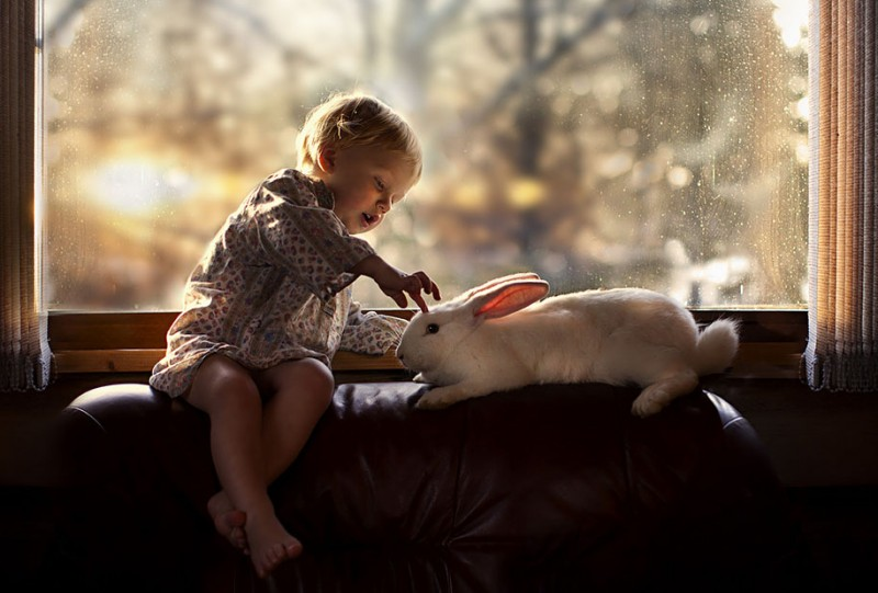 heartwarming-touching-beautiful-children-animals-photos-russia (18)