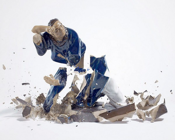 high-speed-photography-technology-camera-crashing-porcelain-figures (1)