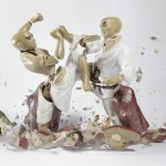 Porcelain figurines in the midst of shattering captured by high-speed photography technology –