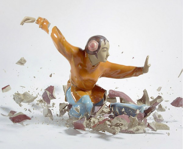 high-speed-photography-technology-camera-crashing-porcelain-figures