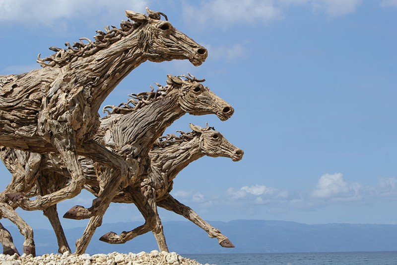 impressive-eye-catching-cool-driftwood-sculptures-horses-artwork (5)
