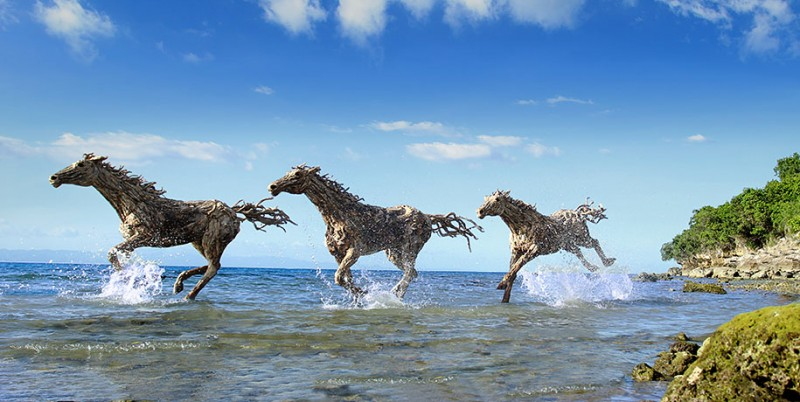 impressive-eye-catching-cool-driftwood-sculptures-horses-artwork (7)