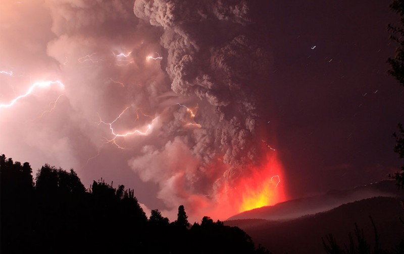 natural-disaster-active-volcanoes-eruption-chile-breathtaking-photos (11)