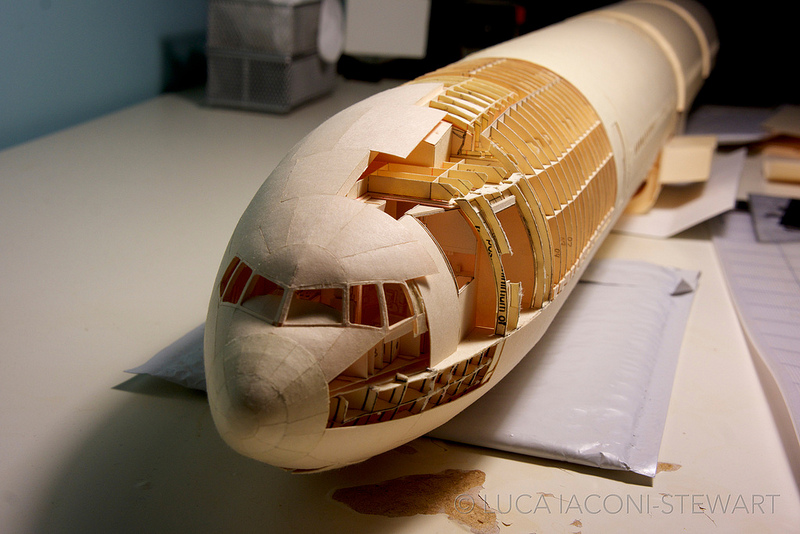 paper-folding-plane-making-art-Boeing-777-reproduction (7)