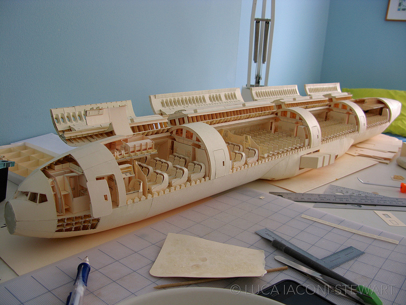 paper-folding-plane-making-art-Boeing-777-reproduction