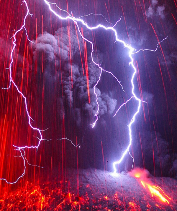 spectacular-wonderful-amazing-cool-volcanic-eruption-pictures (12)