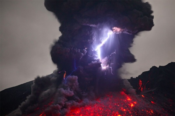 spectacular-wonderful-amazing-cool-volcanic-eruption-pictures (13)