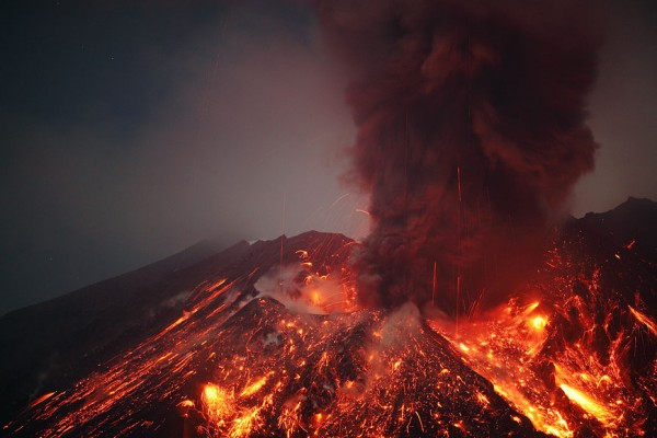 spectacular-wonderful-amazing-cool-volcanic-eruption-pictures (4)