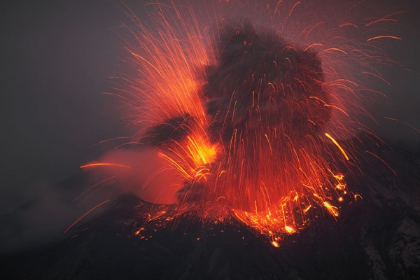 spectacular-wonderful-amazing-cool-volcanic-eruption-pictures (5)