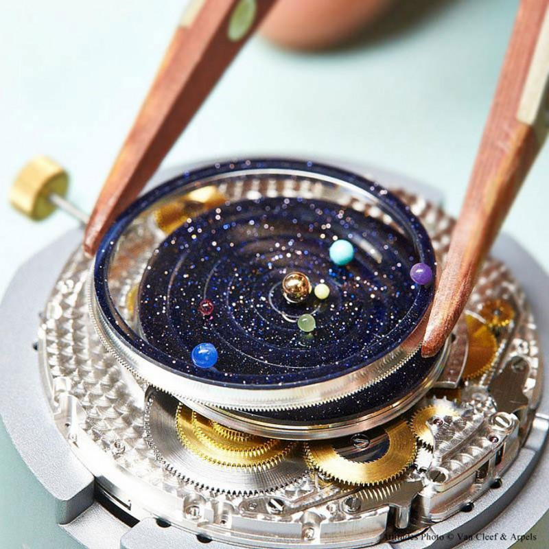 stunning-beautiful-astronomical-gadget-expensive-luxury-watch-Solar-System-planets (1)