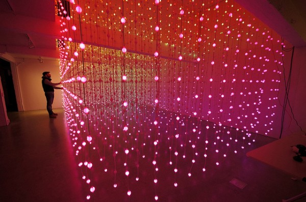 submergence-led-lights-art-installation (1)