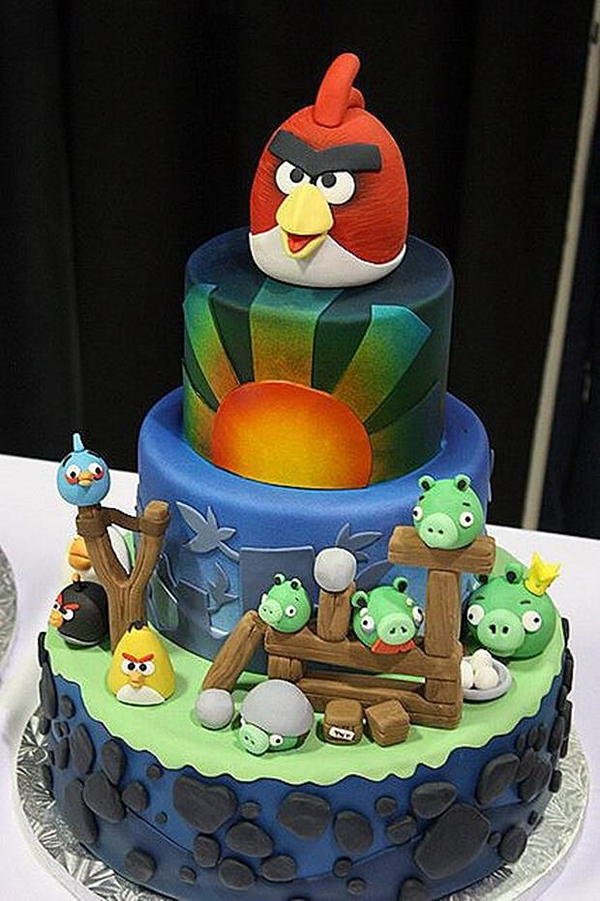 funny-coolest-eye-catching-video-games-animation-cakes-design (5)