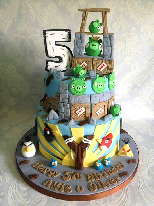 funny-coolest-eye-catching-video-games-animation-cakes-design (6)