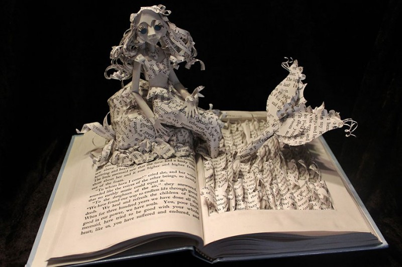 imaginative-creative-paper-art-book-sculptures-artwork (5)