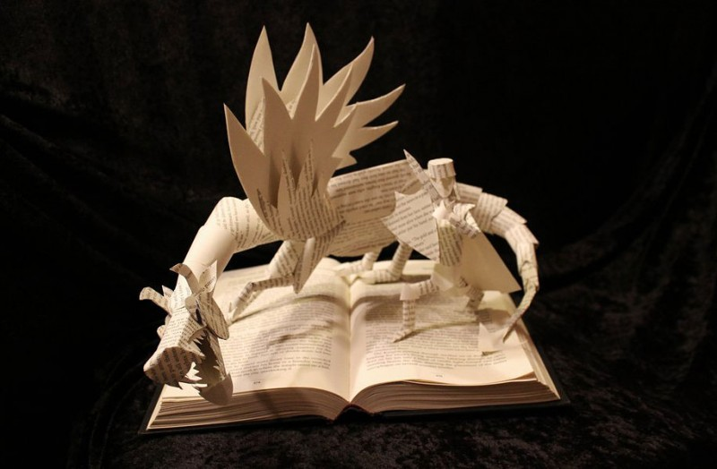 imaginative-creative-paper-art-book-sculptures-artwork (6)