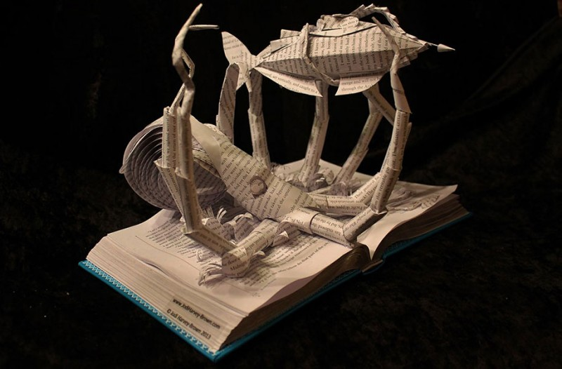 imaginative-creative-paper-art-book-sculptures-artwork (9)