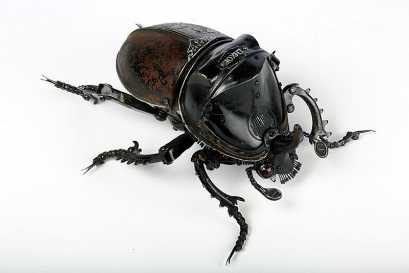 incredible-inspirational-insects-animals-miniature-sculptures-made-from-old-parts (12)