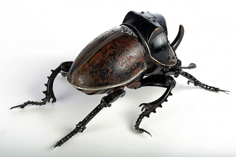 incredible-inspirational-insects-animals-miniature-sculptures-made-from-old-parts (13)