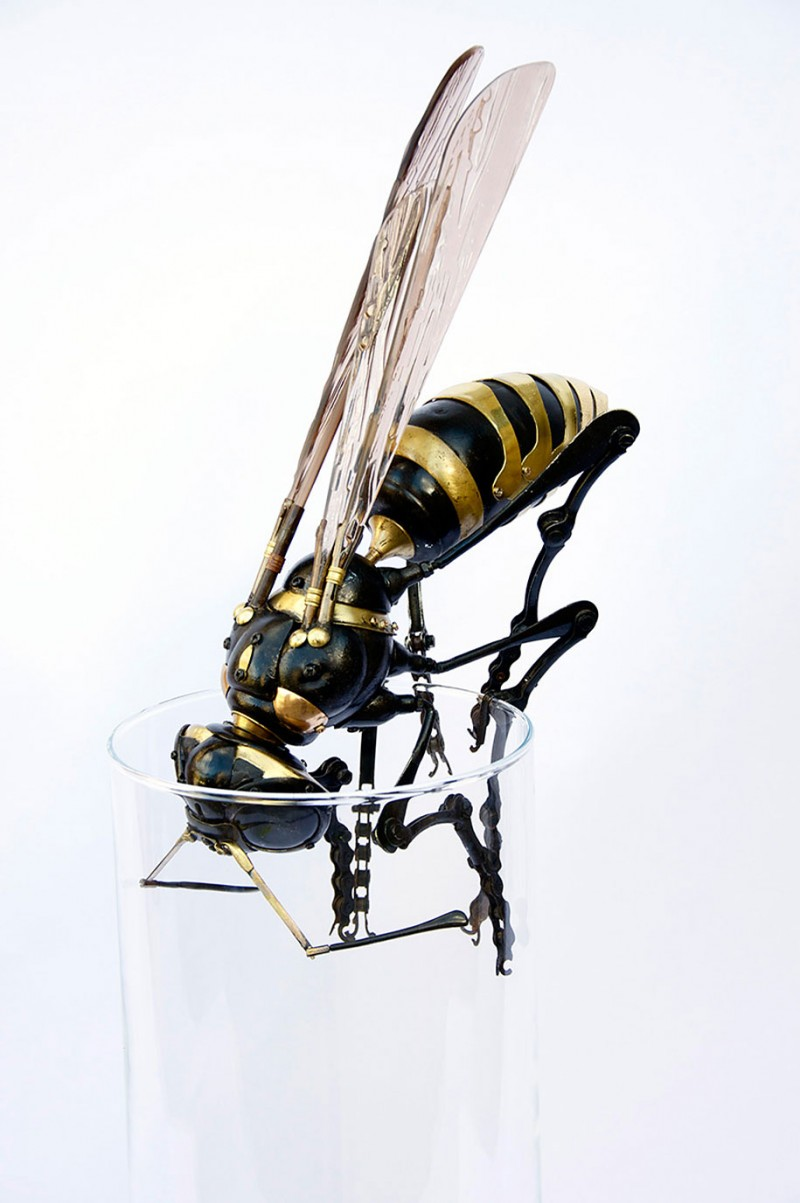 incredible-inspirational-insects-animals-miniature-sculptures-made-from-old-parts (16)